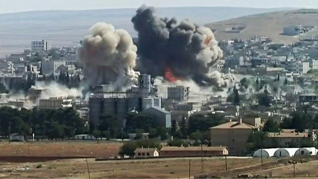 Двойной взрыв в юго-восточном Кобане, Сирия, 8 октября, 2014.