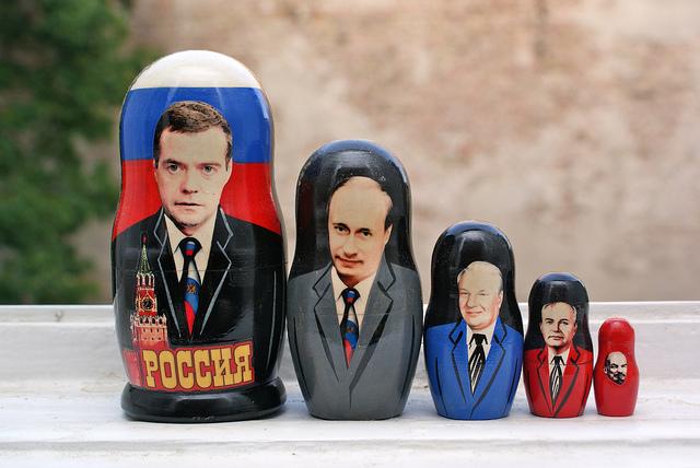Матрешки с российскими политиками