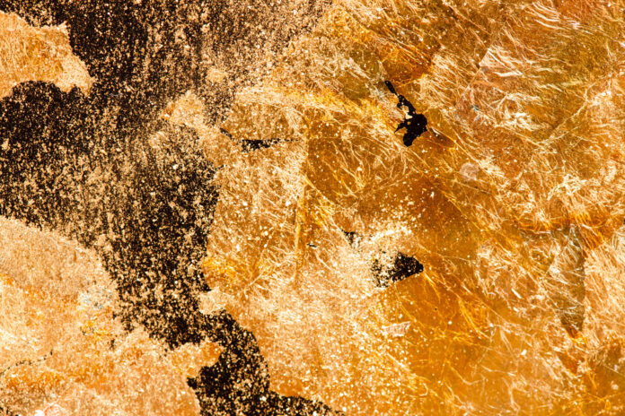 Выращивание золота на пластинах кремния