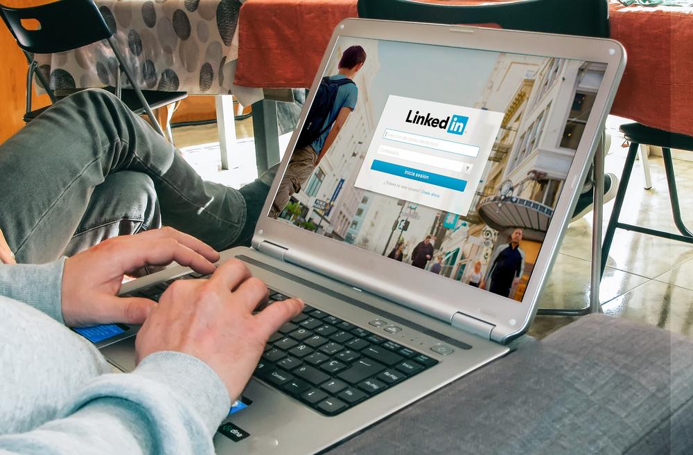 Российские власти и LinkedIn
