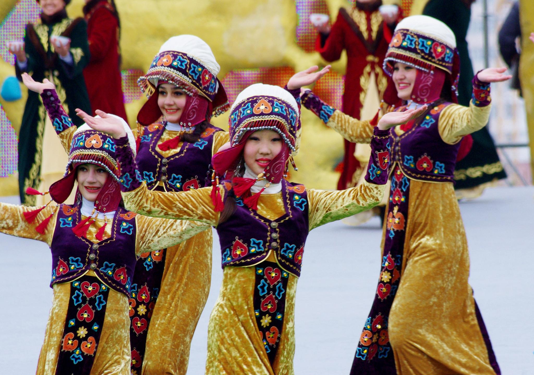 Танцоры Навруз. Астана.