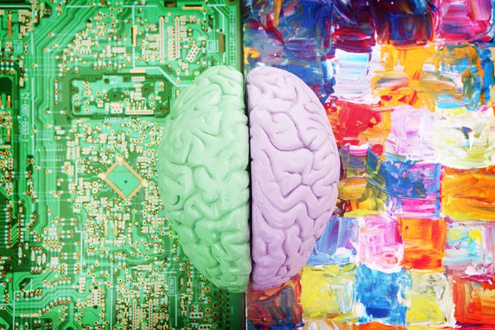 Будущее за слиянием искусства и науки.
