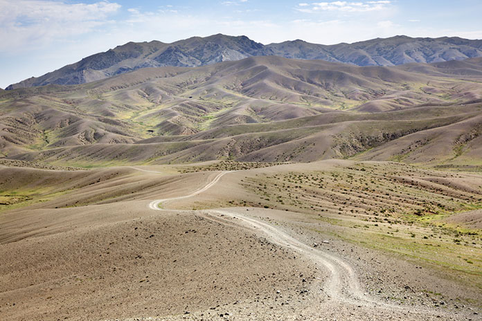Дороги в пустыни Гоби, Монголия.