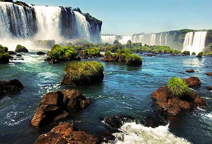 Водопады Игуасу.
