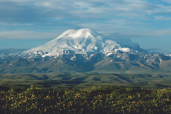 Гора Эльбрус.