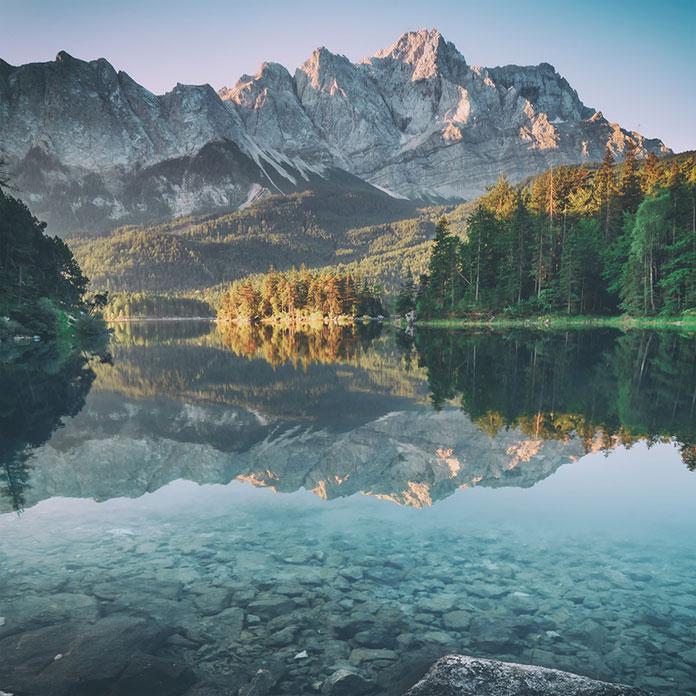 Озеро Эйбзи, Бавария, Германия. Smit /shutterstock.com