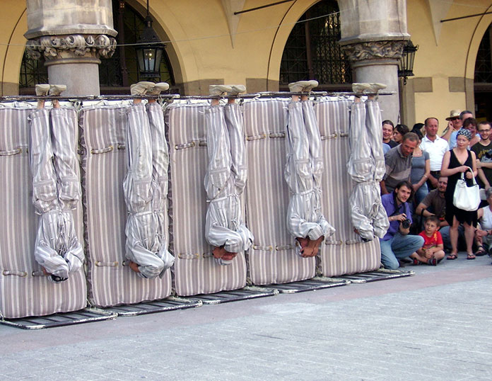 Перформанс в Кракове, на Международном Фестивале Уличных Театров, 2008г
