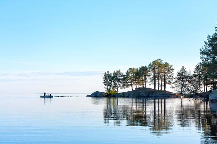 Вид на Онежское озеро. Республика Карелия, Россия.
