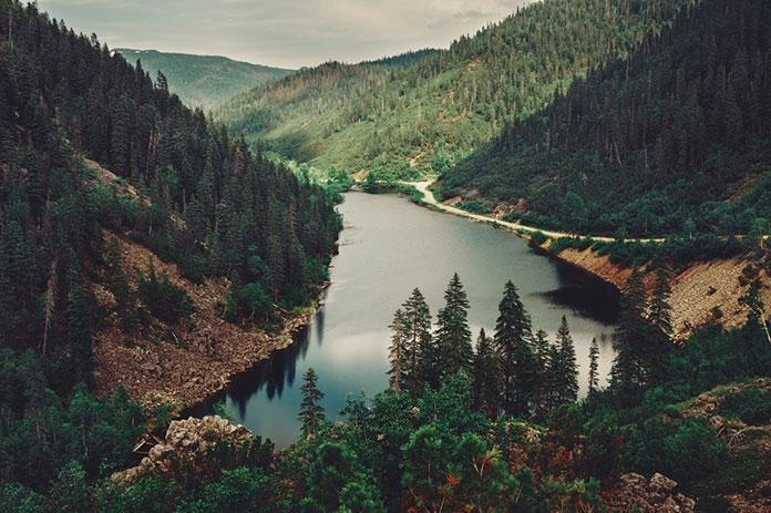 Горное озеро Амут