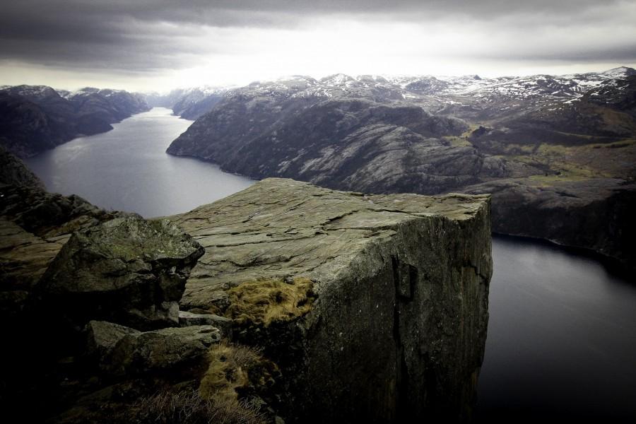 Норвегия, фьорды, Preikestolen