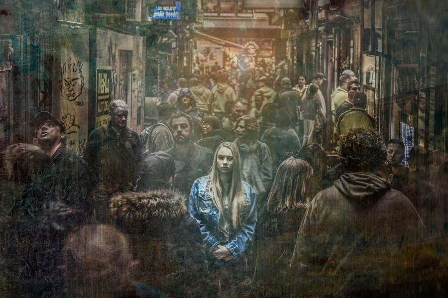 девушка, толпа, депрессия, одиночество