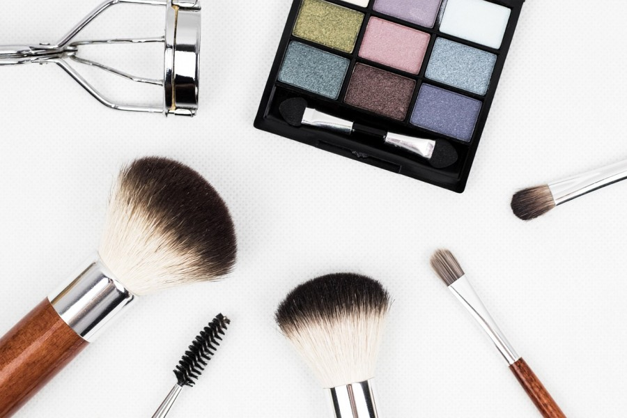 косметика, тени, кисти, макияж