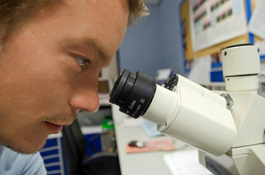 ученый, микроскоп