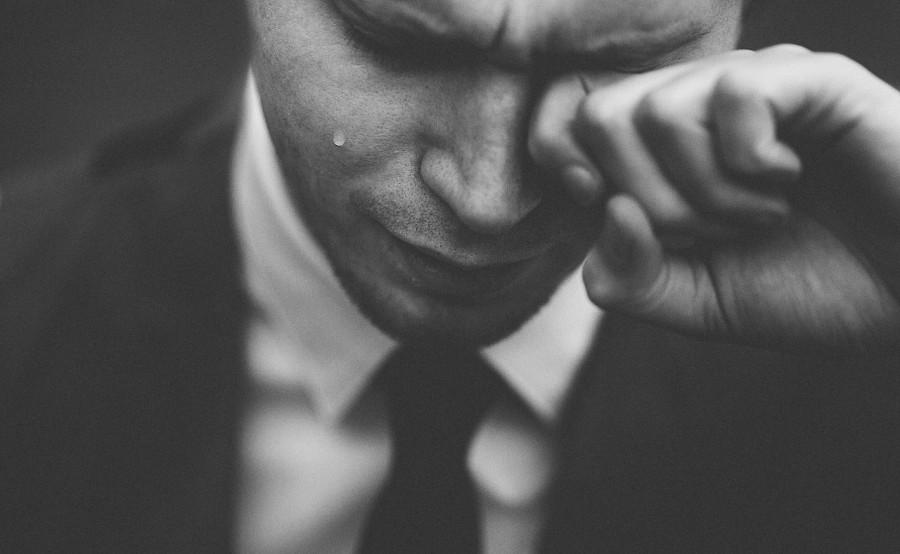 слезы, мужчина, плакать