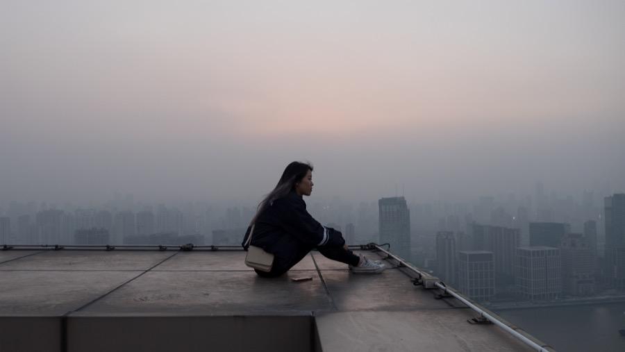 Крыша, город, девушка