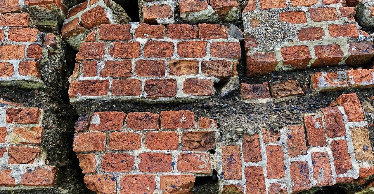 Кирпич, разрушение, землетрясение