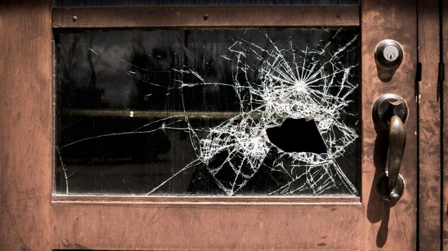 окно, разбито, преступление