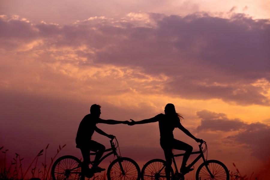 Романтика, закат, велосипед
