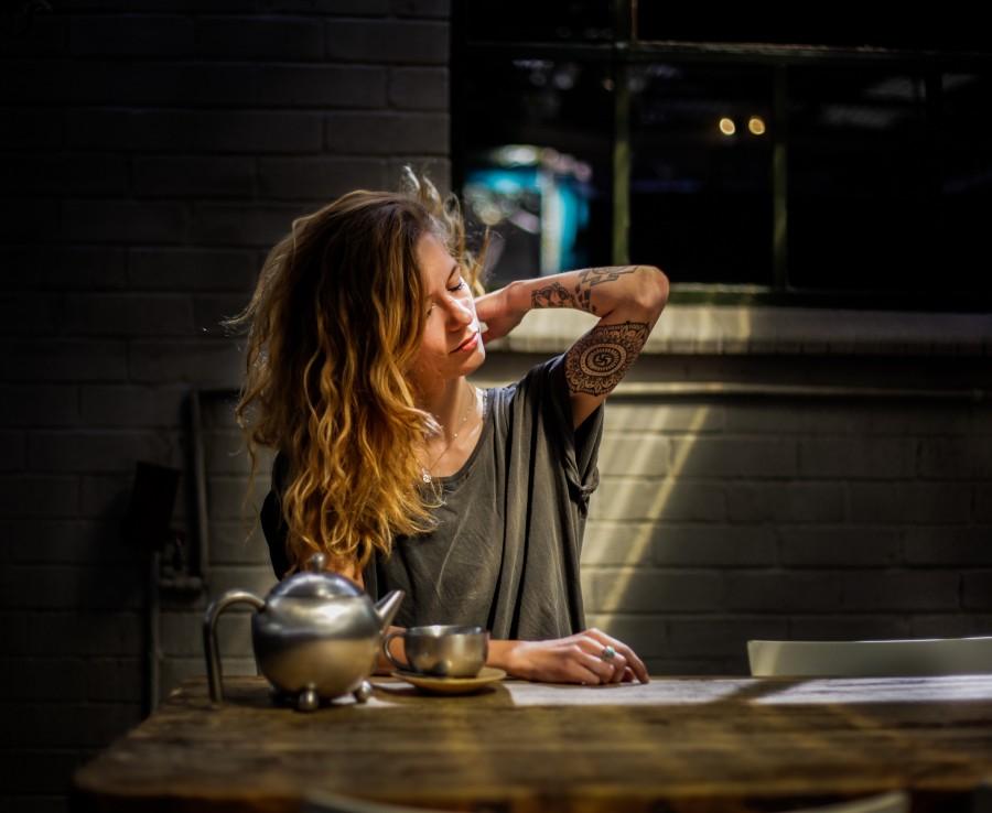 девушка, кухня, уют
