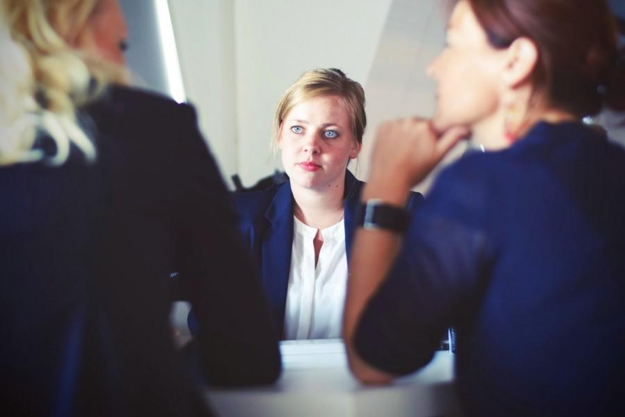 Женщины, разговор, диалог