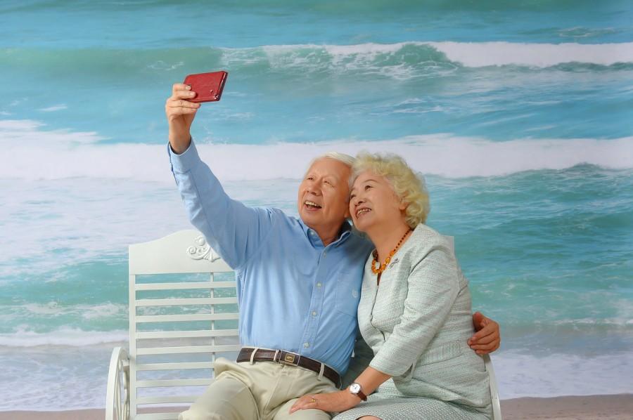 Старость, пожилой, дружба, сэлфи, море