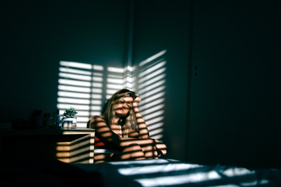 депрессия, девушка, окно, свет