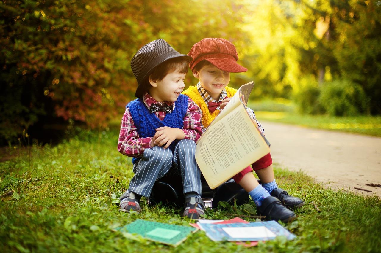 Дети, чтение, смех, книга