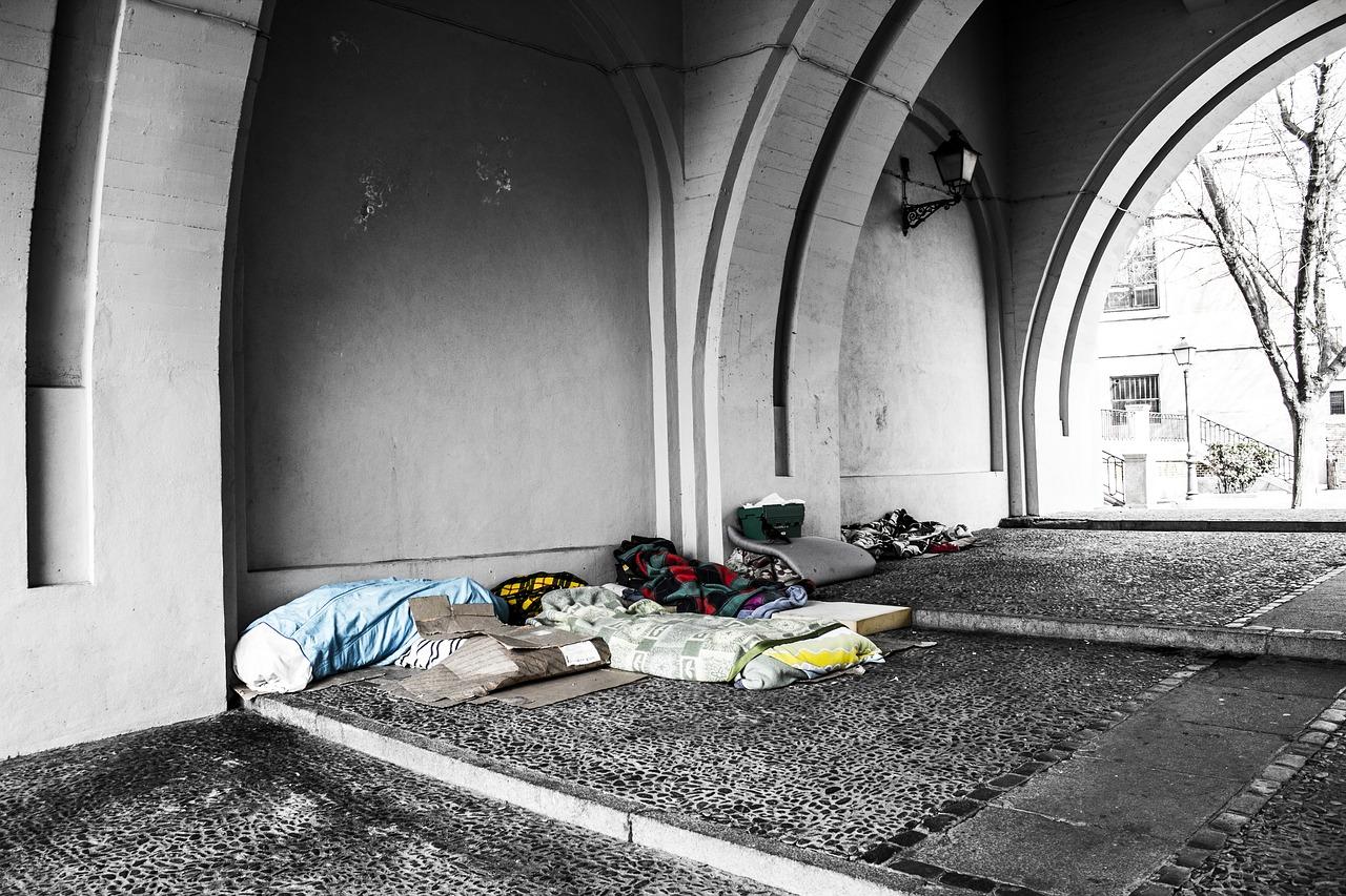 Бездомный, сон, ночлежка