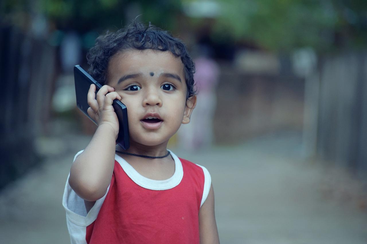 ребенок, мальчик, смартфон