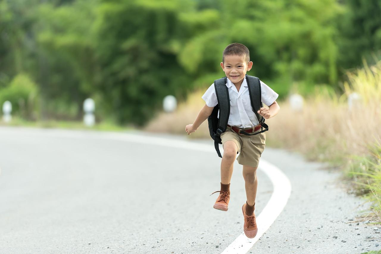 ребенок, низкий, бежит