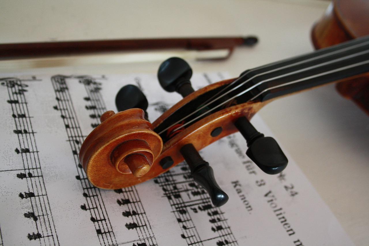 скрипка, ноты