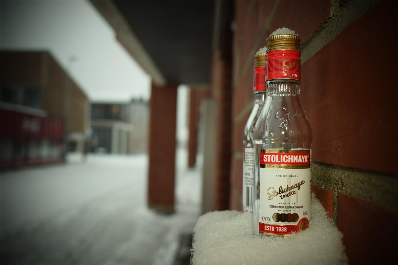 Водка, столичная, зима