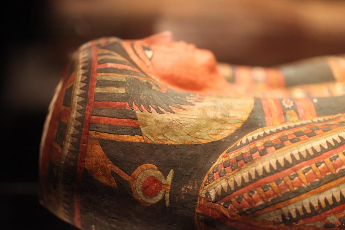 Египетская мумия в саркофаге