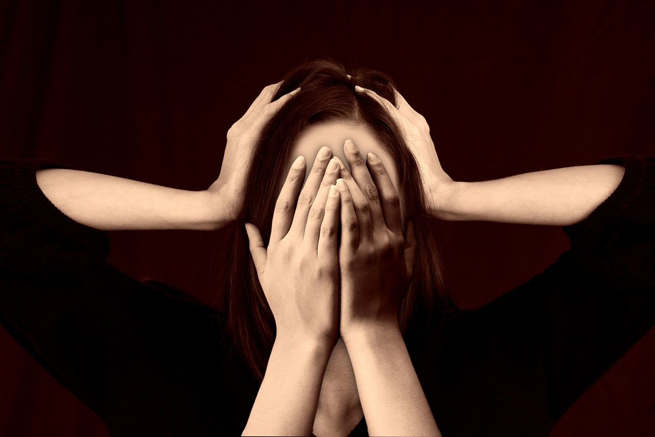 женщина, руки, психология