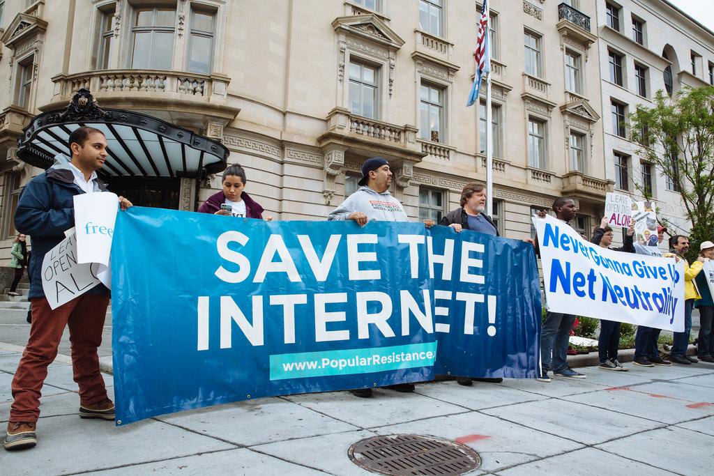 Спасите интернет, митинг, протест