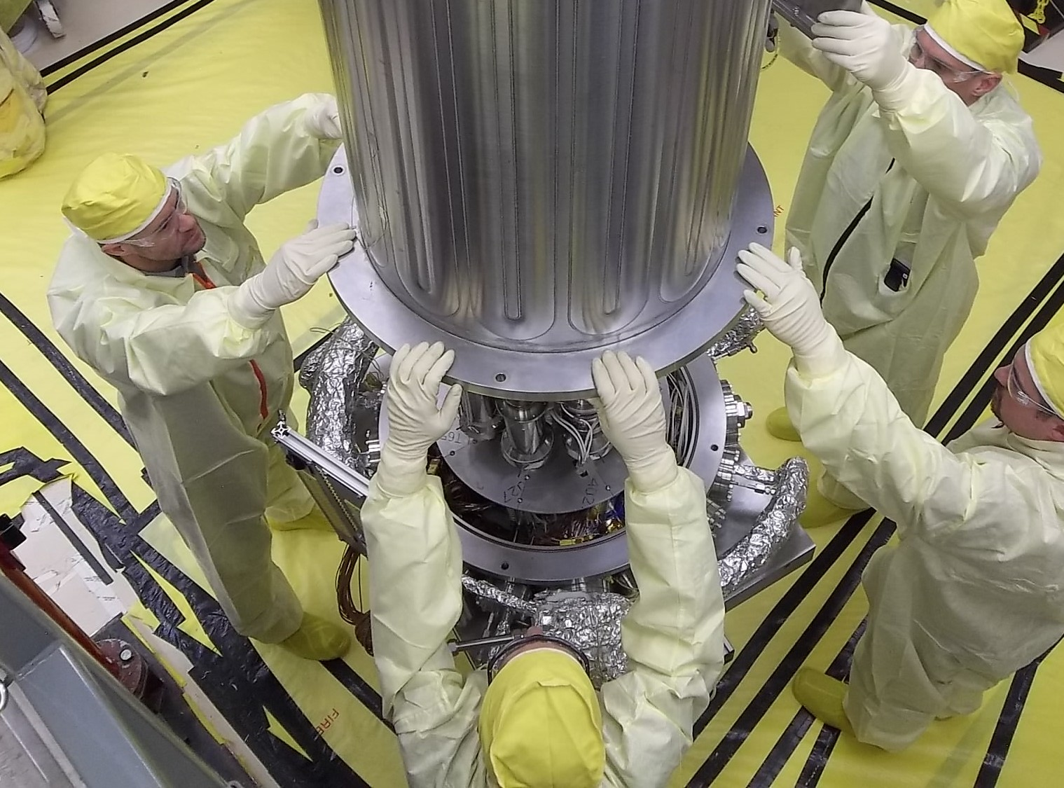 Инженеры и реактор KRUSTY