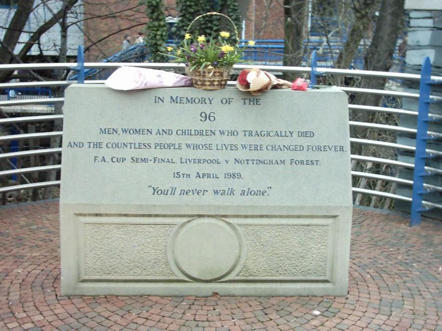 Памятник погибшим на Хиллсборо