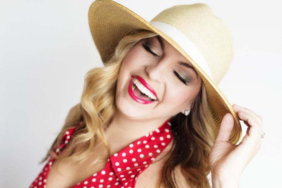 девушка, шляпа, смех, ретро